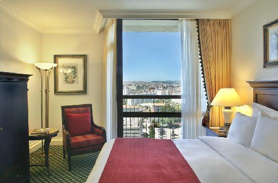 Lisbon Marriott Hotel: Hotel Guest Room