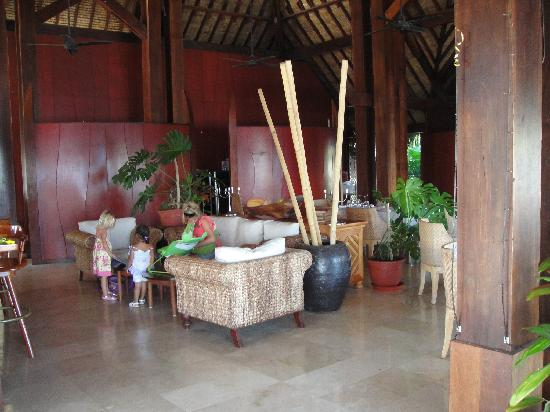 Mai Kai Bora Bora : Lounge & restaurant