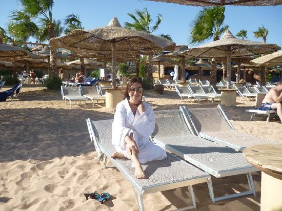 Savoy Sharm El Sheikh: Шкодные, симпатичные зонтики на пляже