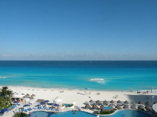 Golden Parnassus All Inclusive Resort & Spa Cancun : View from room (6th floor)