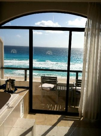 Golden Parnassus All Inclusive Resort & Spa Cancun : View from room
