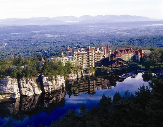 New Paltz, estado de Nueva York: Mohonk Mountain House in the Summer