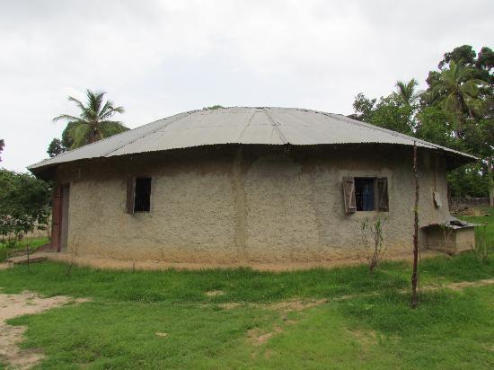 Campement Abeu Koum: the building containing the rooms