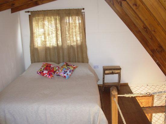 Pilar del Alma: cama doble en primer piso con vistas a la bahia