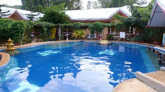 Kiddie chess pool picture of deep puerto princesa for Deep swimming pools for garden
