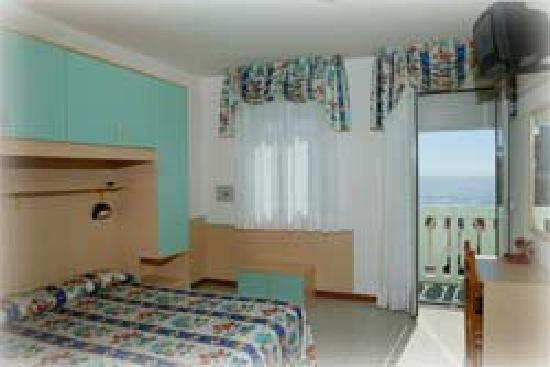 Hotel Marinella: Camera