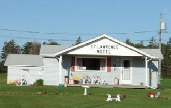 St. Lawrence Motel: Main Office Entrance