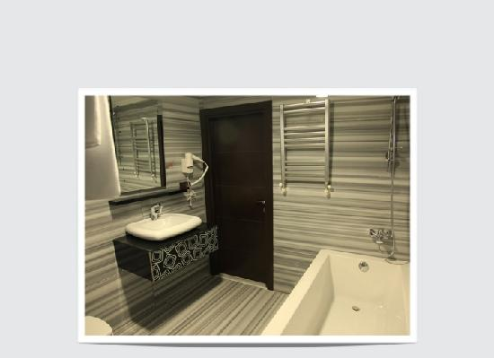 Kumru Hotel : Suite Bathroom