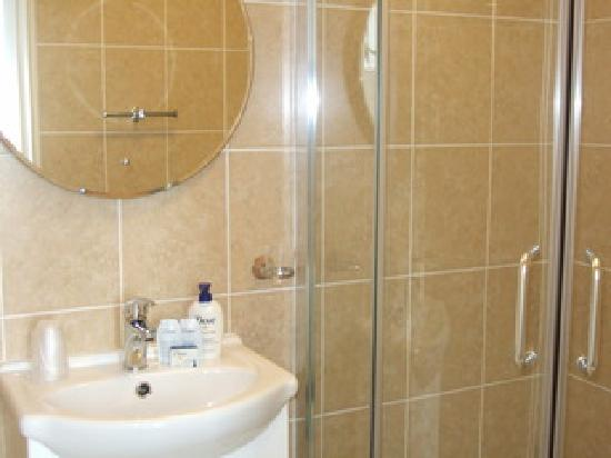 Mount Edgcombe: All of our rooms have en suite shower rooms