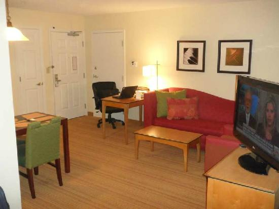 Residence Inn Southington : The room in the other direction, showing the new couches and desks.