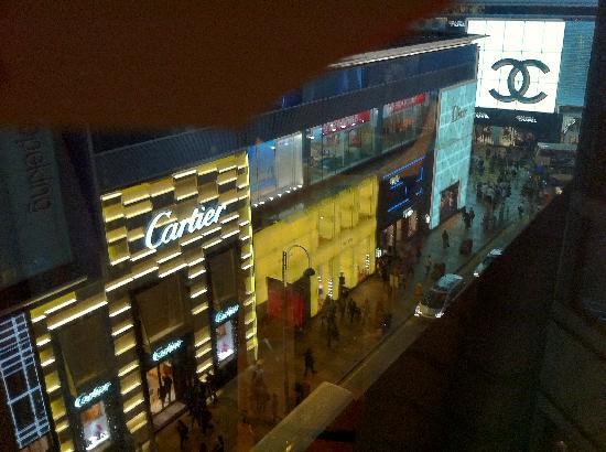 The Langham, Hong Kong: zwischen Chanel und Cartier, Ausblick aus dem Zimmer