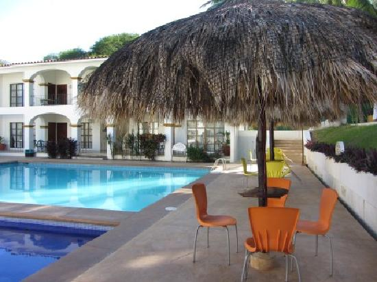 Azul Sirena Huatulco: Der Swimmingpool des Hotels