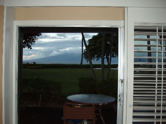 Kaanapali Ocean Inn: view from cottage suites