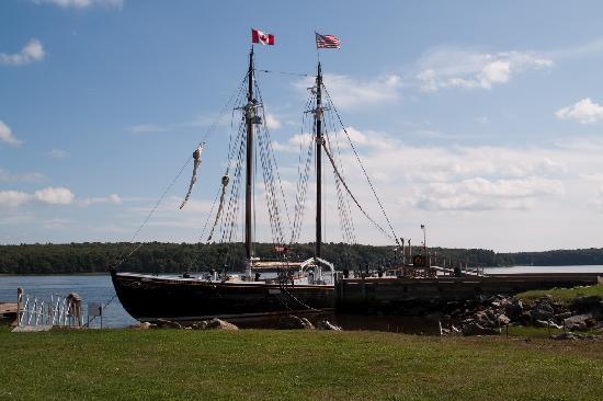 Maine Maritime Museum: Schooner Sherman Zwicker