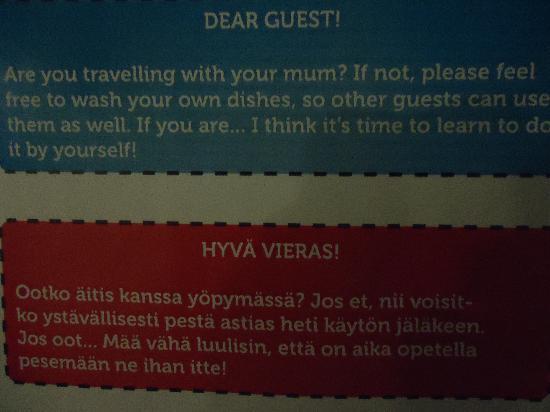 Dream Hostel Tampere: guzel bir bulasiklarinizi lutfen yikayin uyarisi