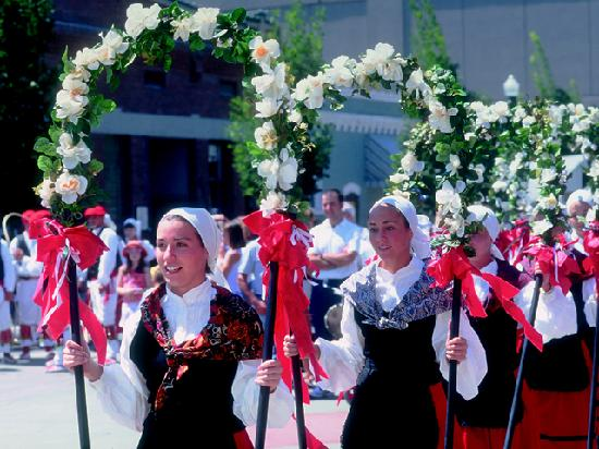 Бойсе, Айдахо: Basque dancers
