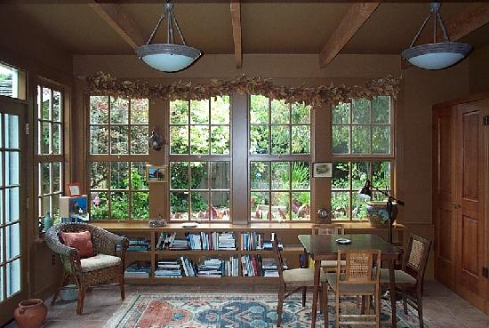 Point Reyes Schoolhouse Compound: The Garden Room