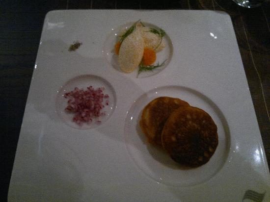 Langvik Congress Wellness Hotel: Starter: small pancakes with roe mousse