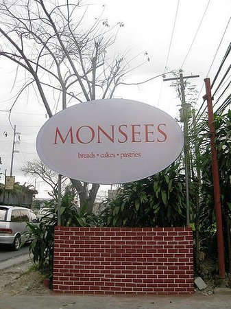 Cafe Monsees: MONSEES SIGNAGE