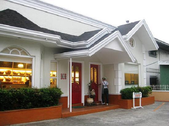 Cafe Monsees: THE RESTAURANT