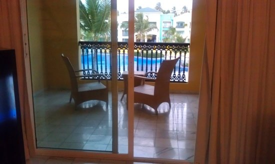 Ocean Blue & Sand: balcony, honeymoon room