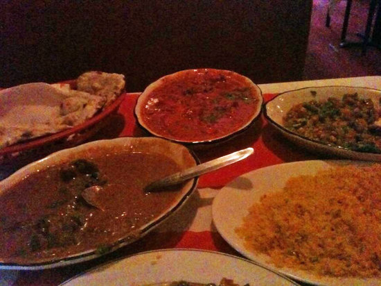 Star Of India Restaurant: The 4 main dishes of the Combo