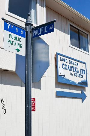 The #1 Coastal Inn and Suites : Street corner