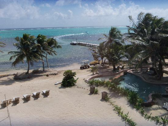 La Beliza Resort: view from the balcony of sunfish 205