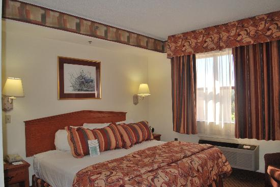 BEST WESTERN Gateway Grand: Suite on 3rd floor