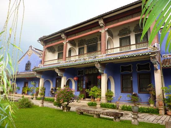 Cheong Fatt Tze - The Blue Mansion : The blue mansion