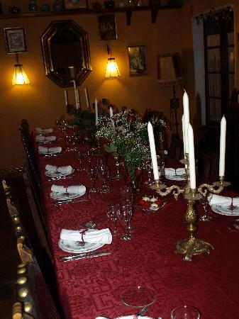 Vilademuls, Spania: comedor con mesa puesta