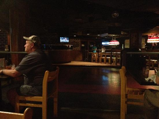 Red Lion Bar & Grill: Inside Red Lion