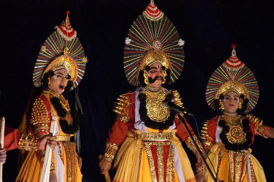 Sai Vishram Beach Resort: The doze of entertainment in the evening!