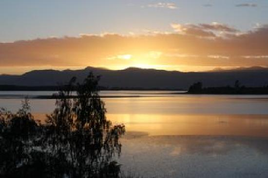 Atholwood Luxury Country Accommodation: sunrise from the room