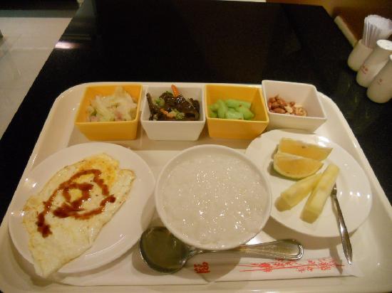 Wish Hotel: 朝食=中華粥セット