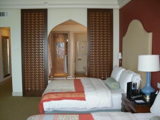 Atlantis, The Palm : twin room