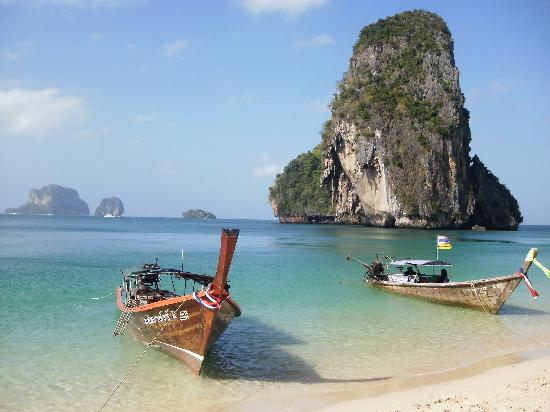 Phra Nang Cave Beach: Scene from the beach