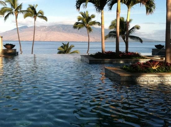 Four Seasons Resort Maui at Wailea: Serenity, adult rooftop pool