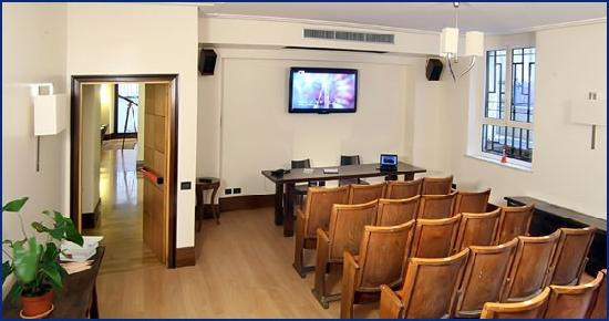 Relais 6: meeting room