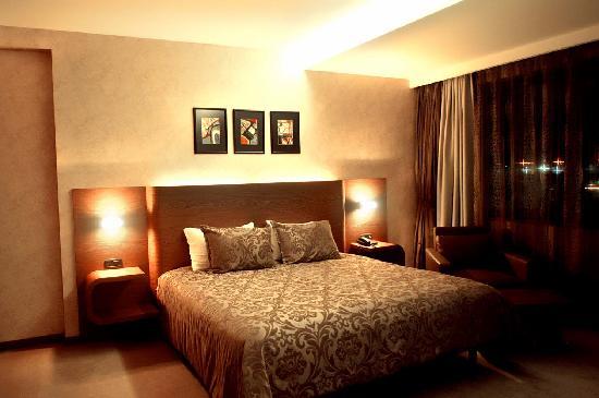 Emerald Hotel: Room 1