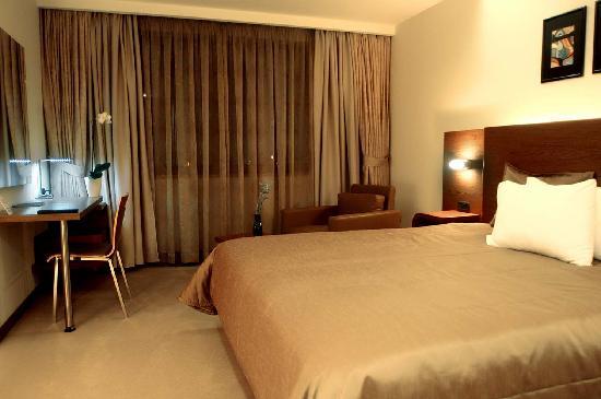 Emerald Hotel: Room 2
