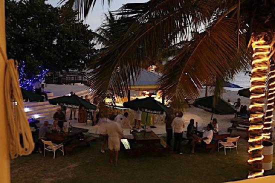 Nanny Cay Marina & Hotel: Beach Bar