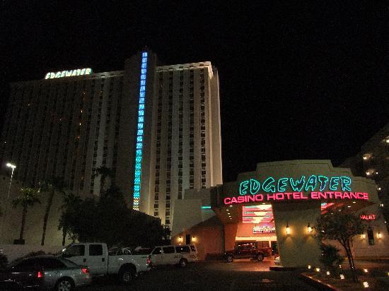 Edgewater Hotel & Casino: Entrée de l'hôtel