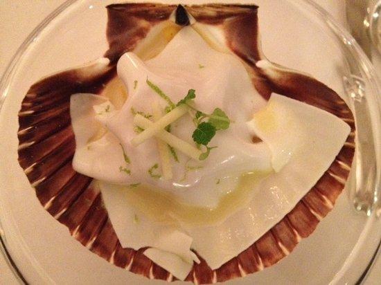 Hostellerie De Plaisance Restaurant : Yummy Scallop
