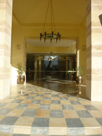 Marhaba Club Hotel : the hotel entrance