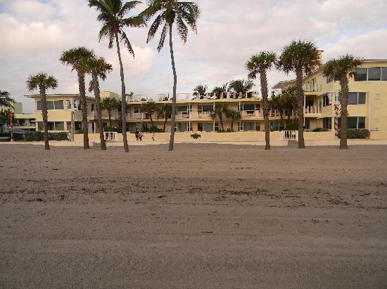 TIDE VACATION APARTMENTS--VIEW FROM THE BEACH