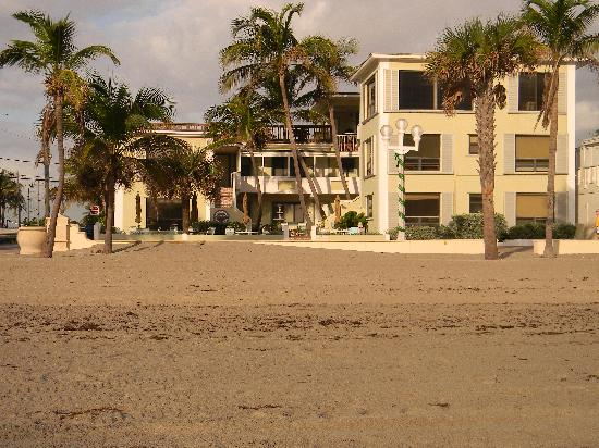 SEA DOWNS APARTMENTS NEXT DOOR TO THE TIDE VACATION APARTMENTS