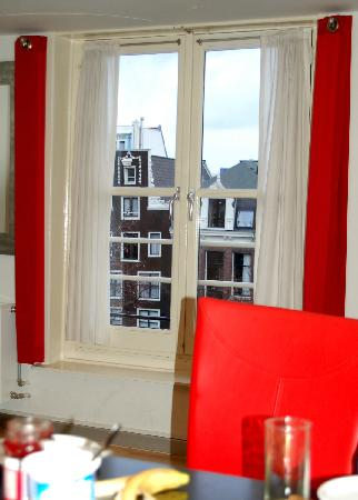 Dutch Masters Apartments: Window View