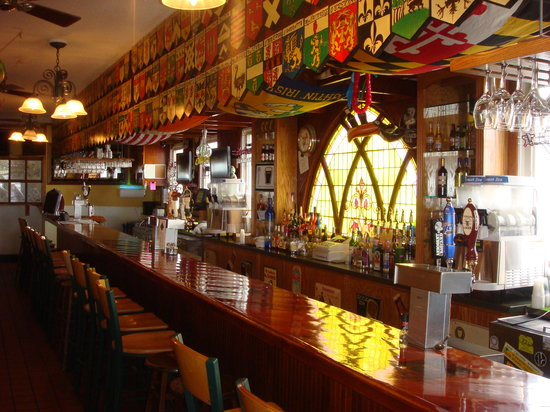 Shenanigan's Irish Pub and Grille: the bar