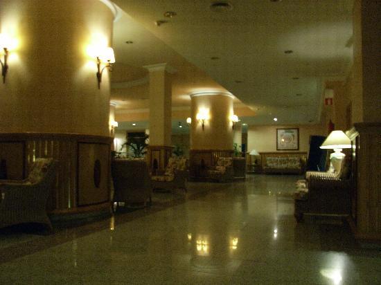 Hotel Riu Nautilus: Main Lobby (1)